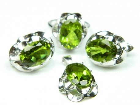 Set argint rodiat, aspect aur alb, cercei, inel si pandantiv, zultanite