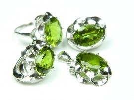 Set bijuterii argint rodiat, aspect aur alb, cercei, inel si pandantiv, zultanite