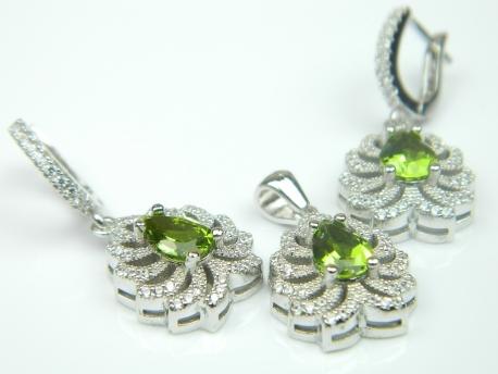Set bijuterii argint rodiat, aspect aur alb, cercei si pandantiv, zultanite si zirconii