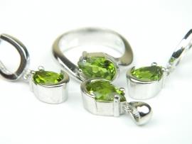 Set bijuterii argint rodiat, aspect aur alb, inel, cercei si pandantiv, zultanite
