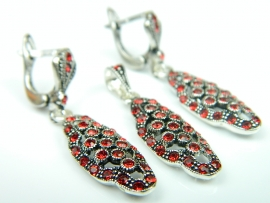 Set bijuterii argint, model vintage, cercei si pandantiv, zirconii rosii