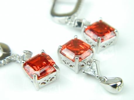 Set bijuterii argint rodiat, aspect aur alb, cercei si pandantiv, rubin si zirconia