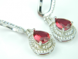 Cercei argint rodiat, aspect aur alb, rubin si zirconia