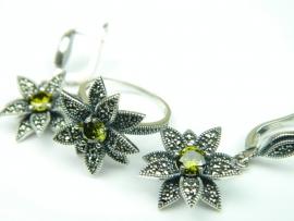 Set bijuterii argint, cercei si inel, peridot si marcasite