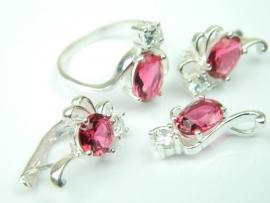 Set bijuterii argint, patru piese, rubin si zirconia