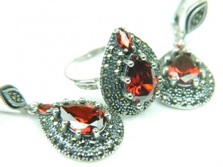 Set bijuterii argint, cercei si inel, granat si marcasite