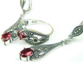 Set bijuterii argint, cercei si inel, rubin si marcasite