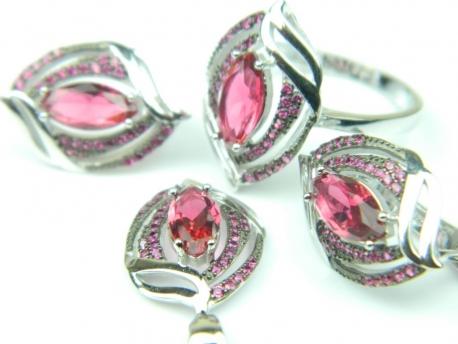 Set bijuterii unicat, argint rodiat, aspect aur alb, patru piese, rubin si zirconii