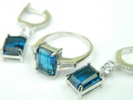 Set bijuterii, argint rodiat, aspect aur alb, cercei si inel, safir si zirconii