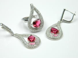 Set bijuterii argint rodiat, aspect aur alb, inel si cercei, rubin si zirconii