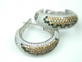 Cercei argint rodiat, aspect aur alb, textura piele sarpe