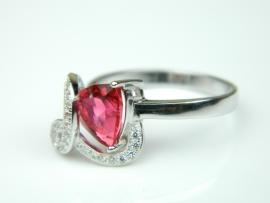Inel argint rodiat, aspect aur alb, model italian, rubin si zirconia
